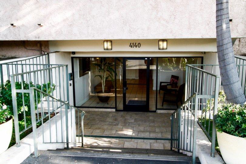 The entrance into Toluca Lakeside Terrace in Burbank California