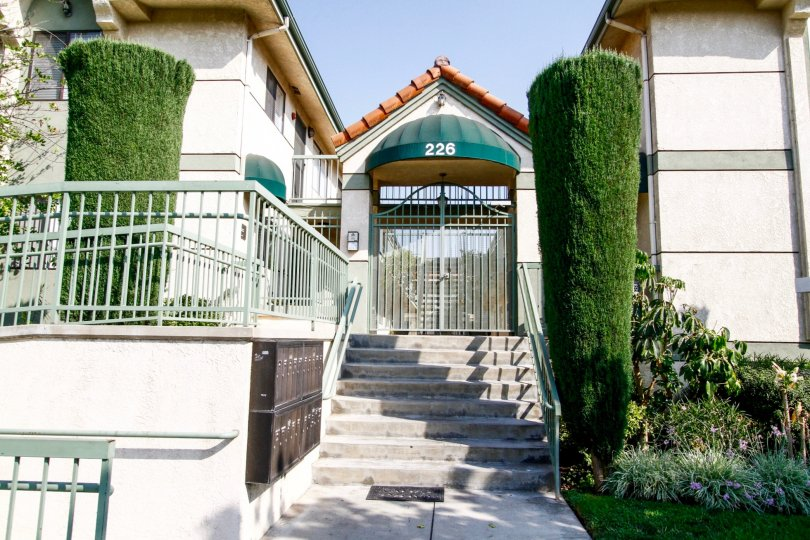 The entrance into Tujunga Villas in Burbank California