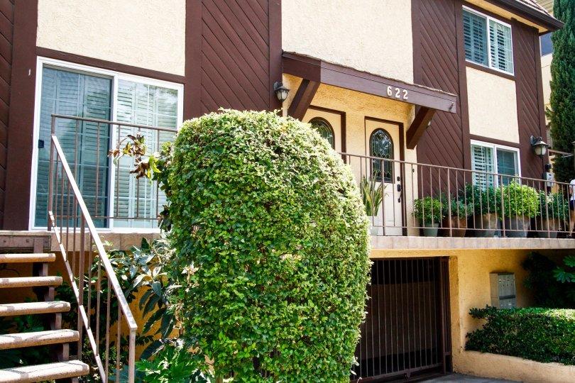 The entrance into Villa Palm Condominiums