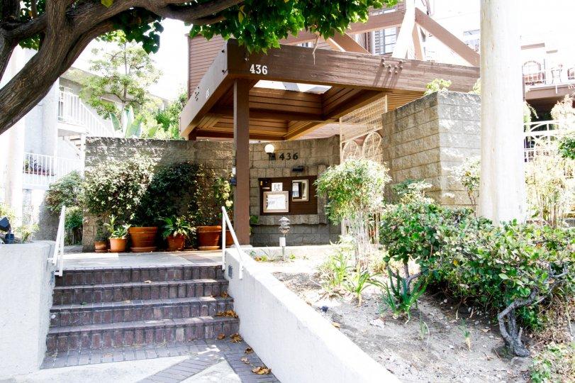 The walkway through Woodside Manor in Burbank California