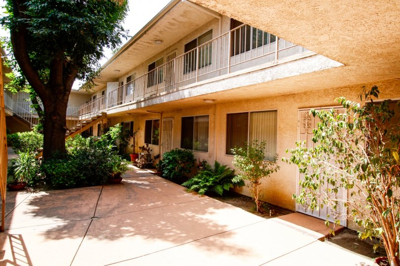 The units within 20954 Parthenia St located in Canoga Park California