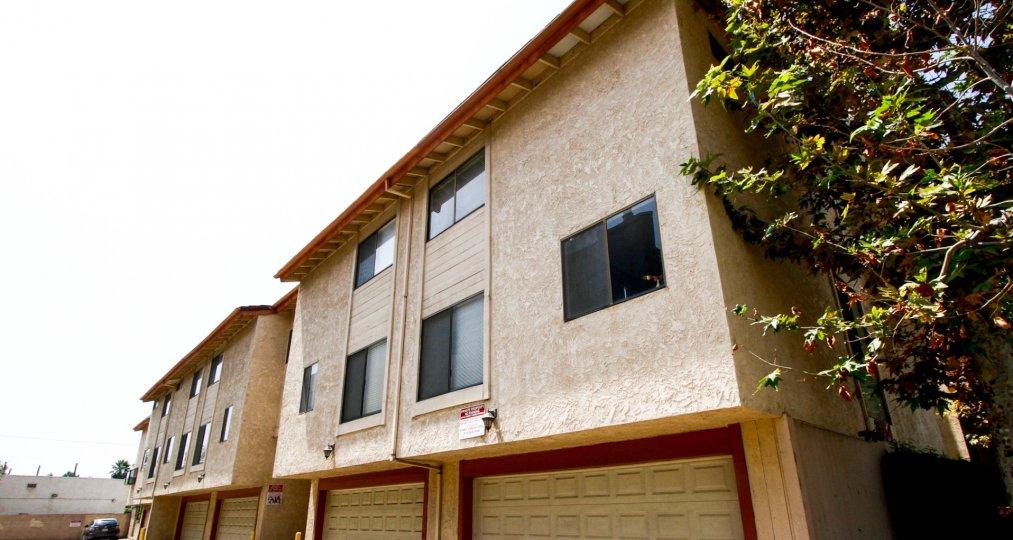 The building at 21054 Parthenia St in Canoga Park California