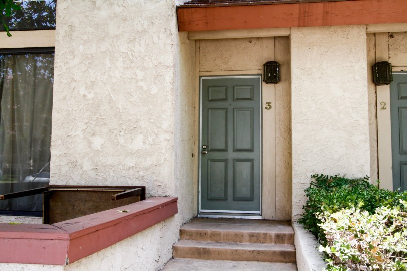 The entrance into a unit at 21054 Parthenia St in Canoga Park California