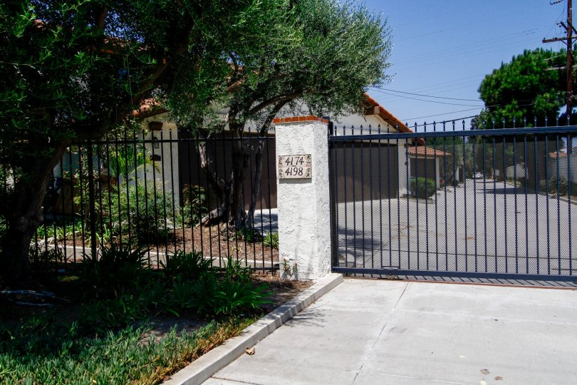 The entrance into Rancho Higuera