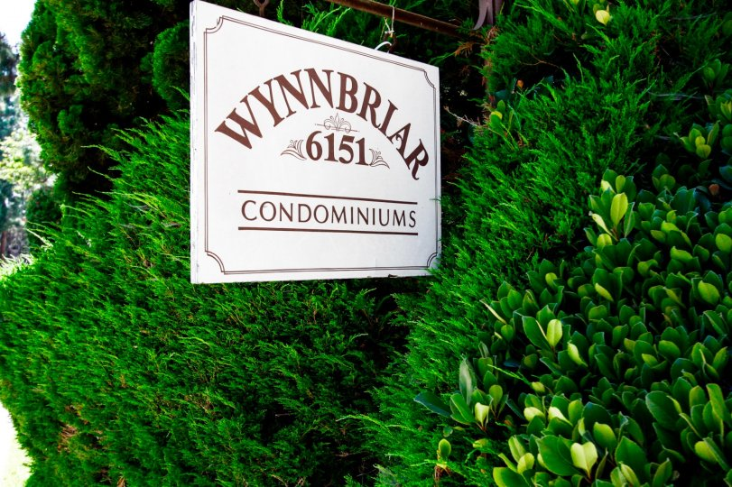 The sign welcoming you to Wynnbriar in Culver City