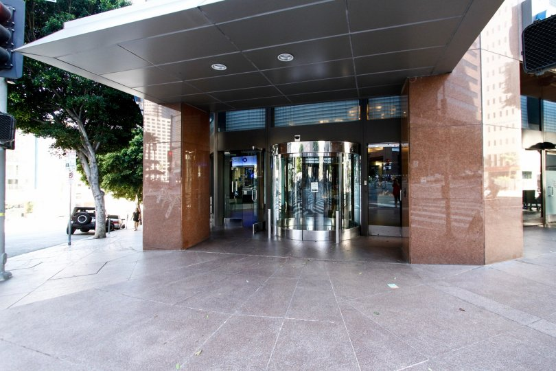 The entrance into 1000 Wilshire