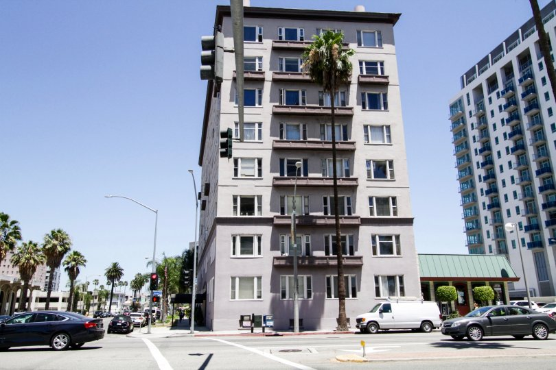 Artaban is considered a narrow building measuring approximately forty feet from front to back