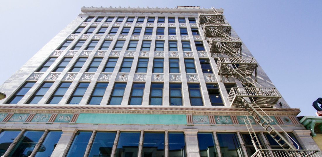A visually stunning building, Insurance Exchange Lofts is located in Downtown Long Beach