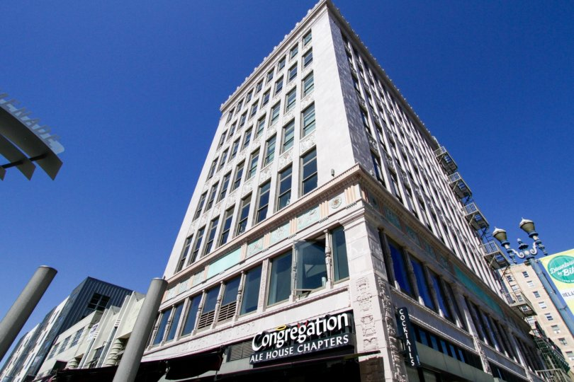 Corner view of Insurance Exchange Lofts rises 7 stories