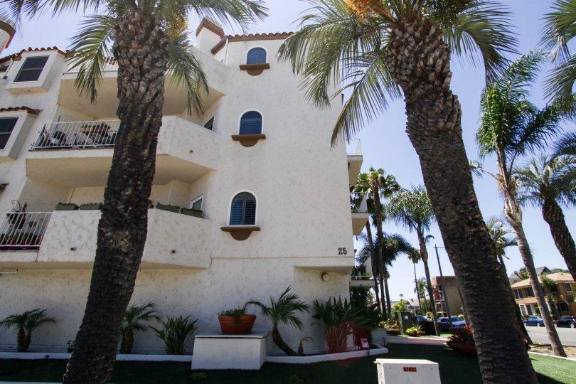 Palacio Del Mar is a condo building in Long Beach