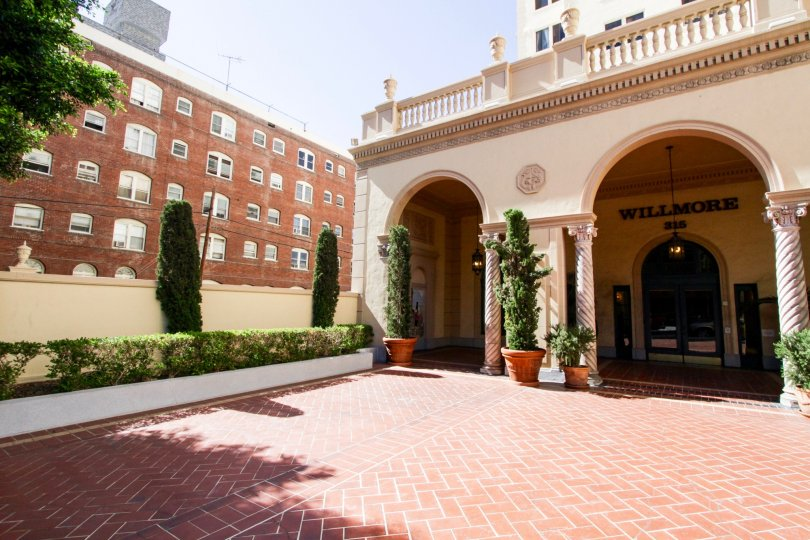 Courtyard entry to the lobby at The Wilmore