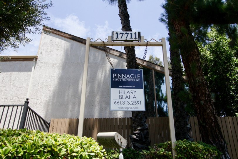 The numbered sign that gains entry to 17711 Margate St in Encino