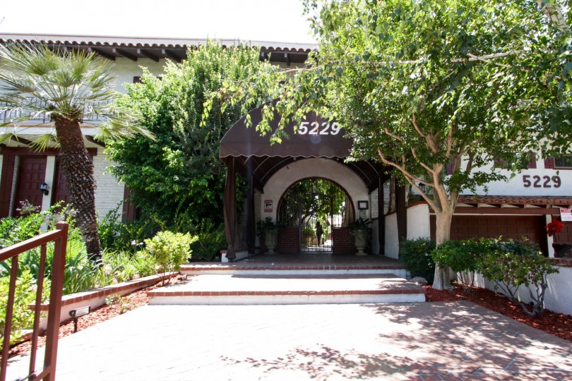 The covered entrance to 5229 Balboa Blvd