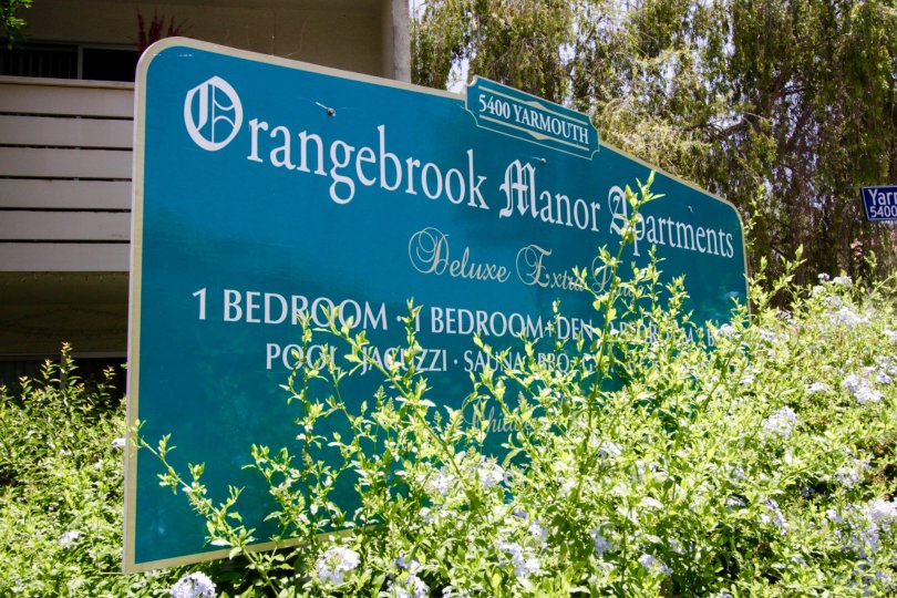 The sign welcoming you into the Encino Concord Townhouses area