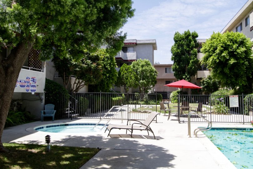 The common area for sun and fun in the Encino Gardens complex
