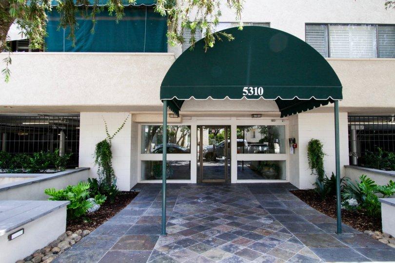The entrance into the Encino Racquet Club in Encino