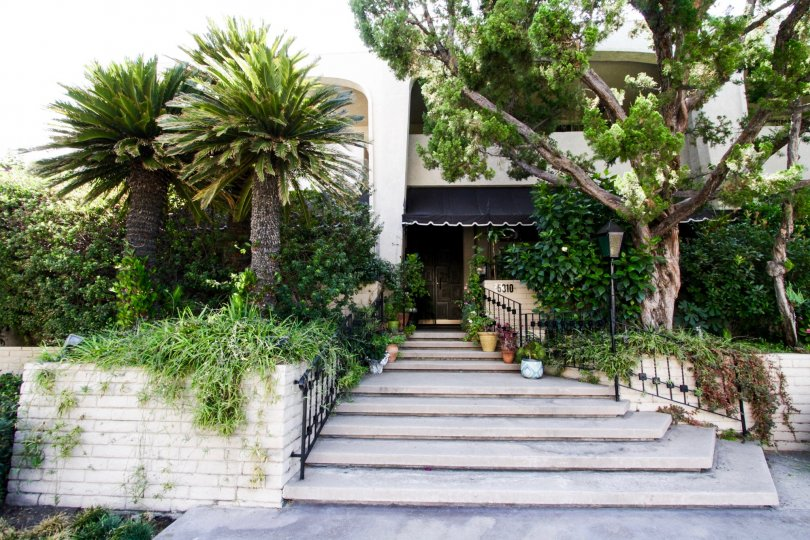 The beautifully decorated Encino Spa West entrance in Encino