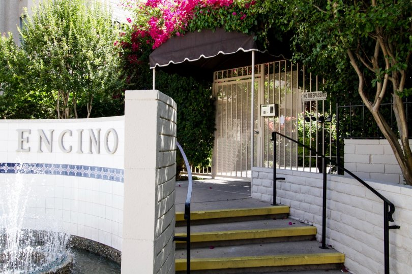 The entrance into Encino Spa