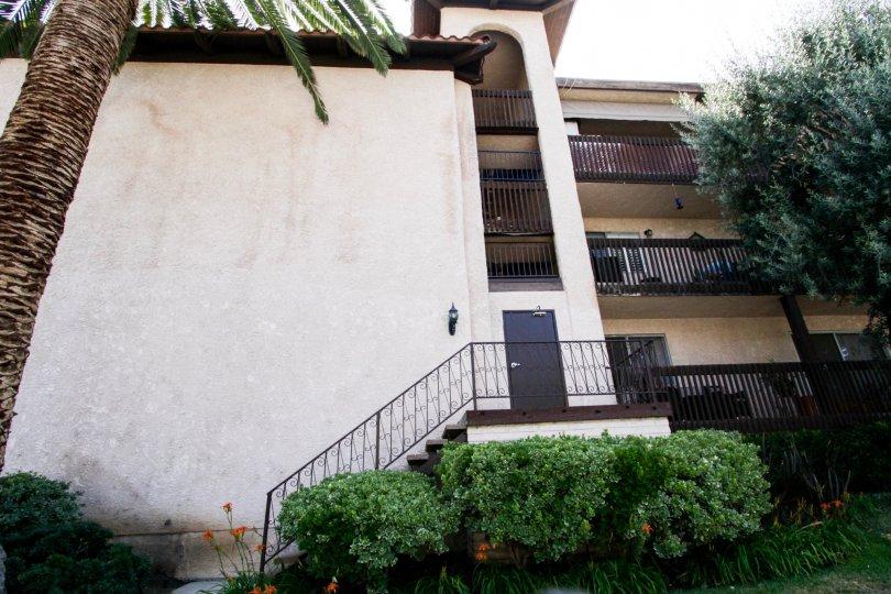 The side entrance into the Encino Villas