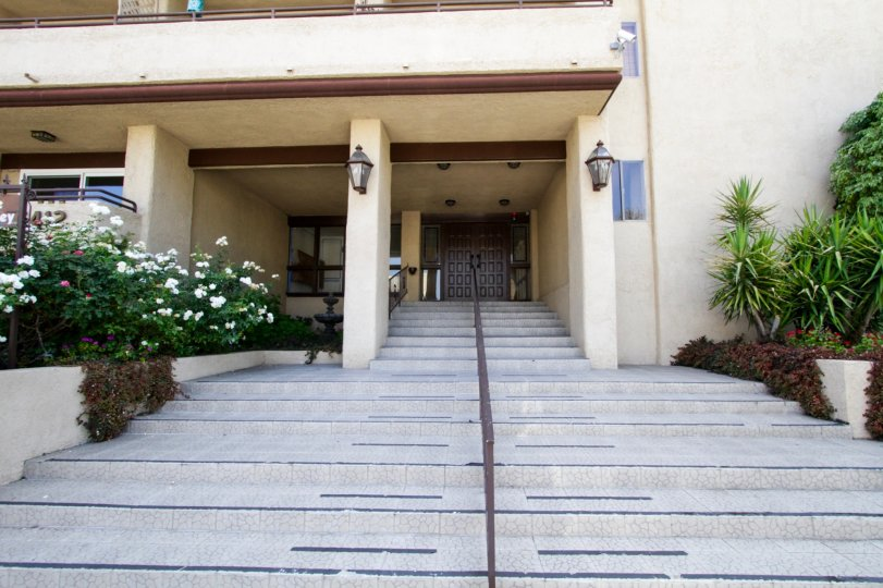 The entrance into The Lindley located in Encino