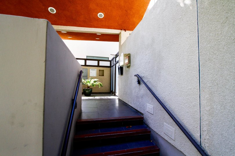 The entryway into the Deck House in Studio City