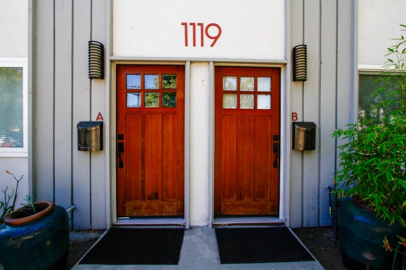 The entrance into 1119 Sonora Ave
