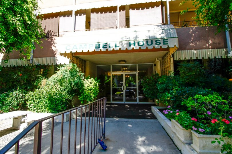 The entryway into Campbell House in Glendale California