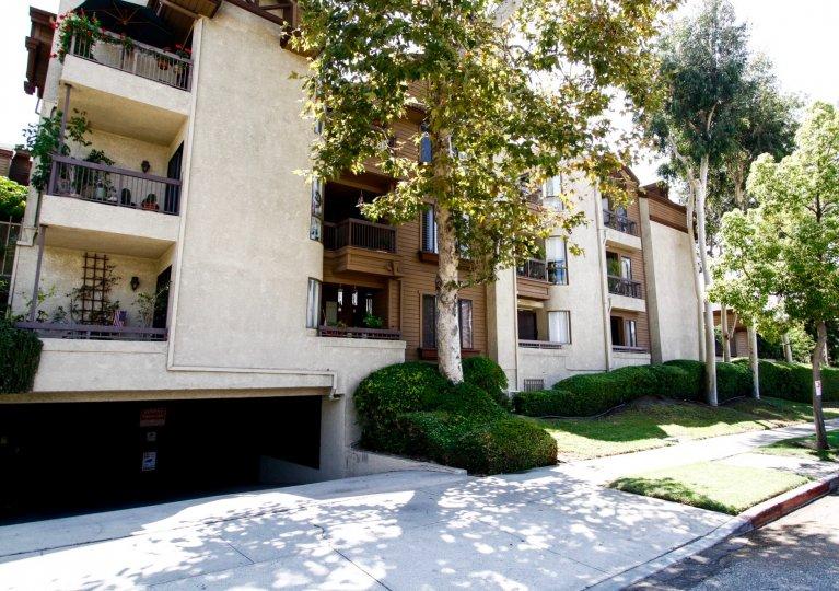 The sidewalk in front of Cobblestone Row in Glendale California