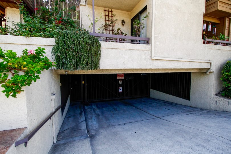 The parking for Cobblestone Row in Glendale California