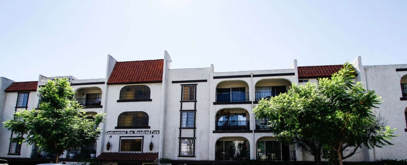 The Continental Six Hundred Five building in Glendale California