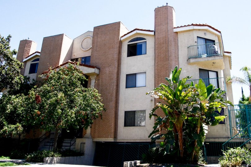 The Dryden Villas building in Glendale California