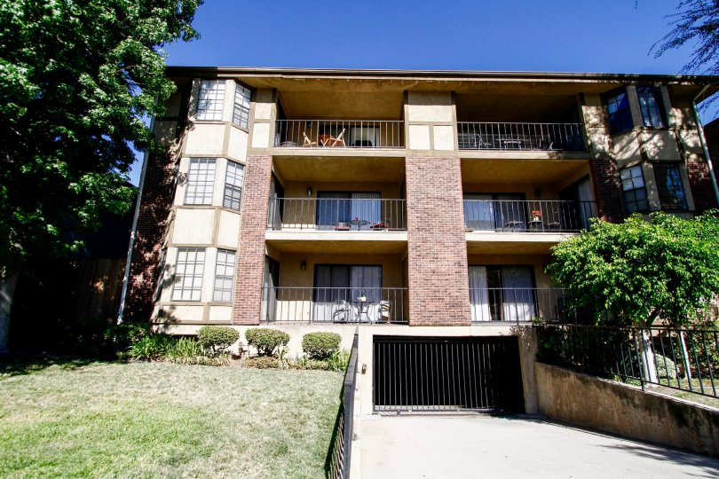 The balconies at Louise Oaks