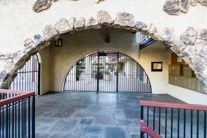 The entrance into Montrose Villas in Glendale California