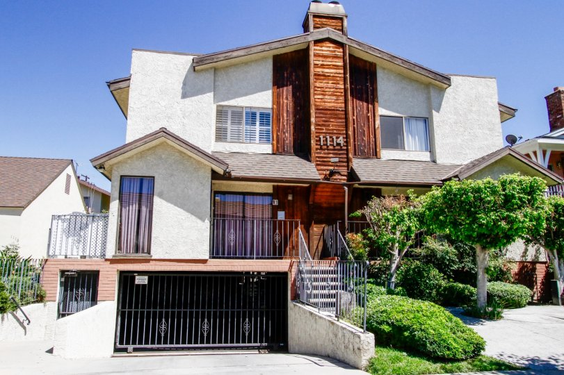 The Park Villa Townhomes building in Glendale California