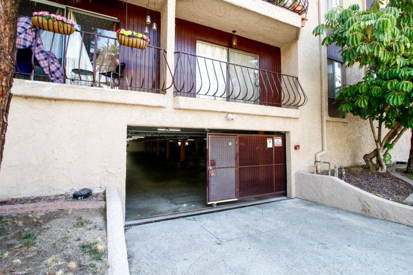 The parking at the Villa Capri