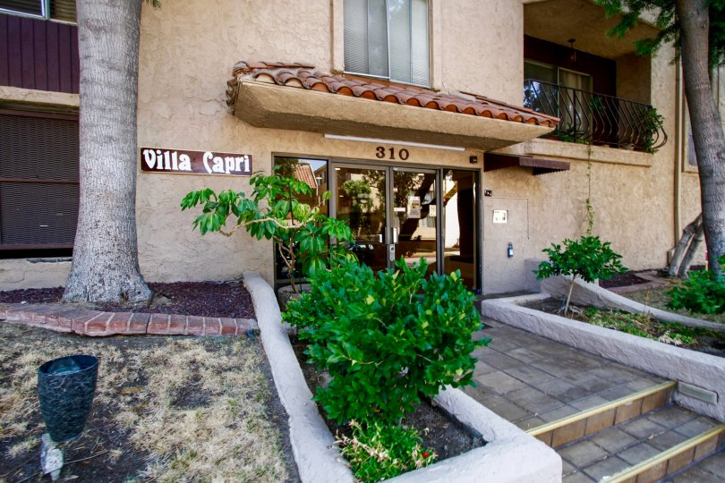 The address of the Villa Capri above the entrance