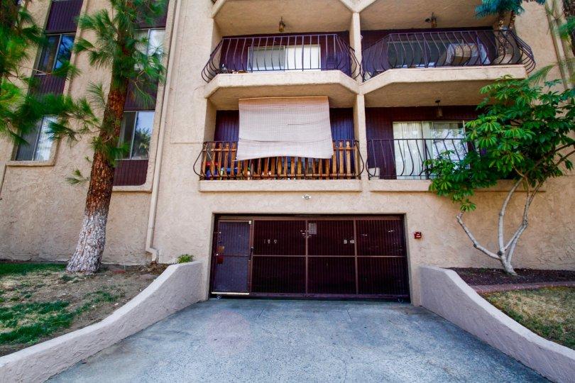 The gate into the parking at Villa Capri