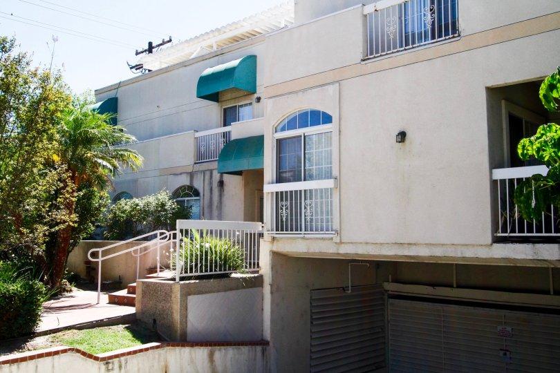 The Viola Plaza building in Glendale California