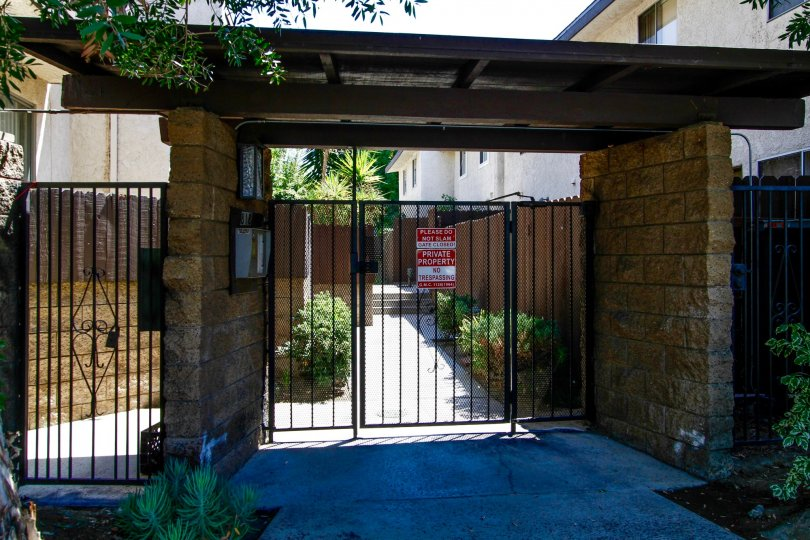 The gate into the Wilshire Manor Verdugo