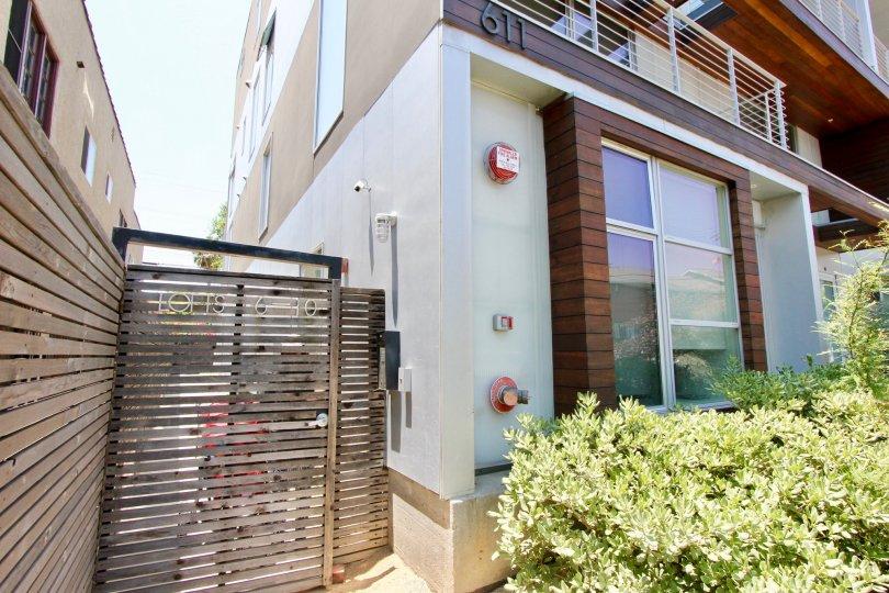 Modern and Stylish apartment of 611 Bronson, Hancook Park, California