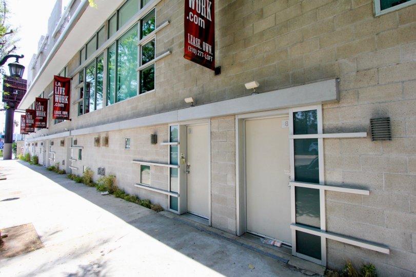 Front door of Highland Lofts in Hancock Park California
