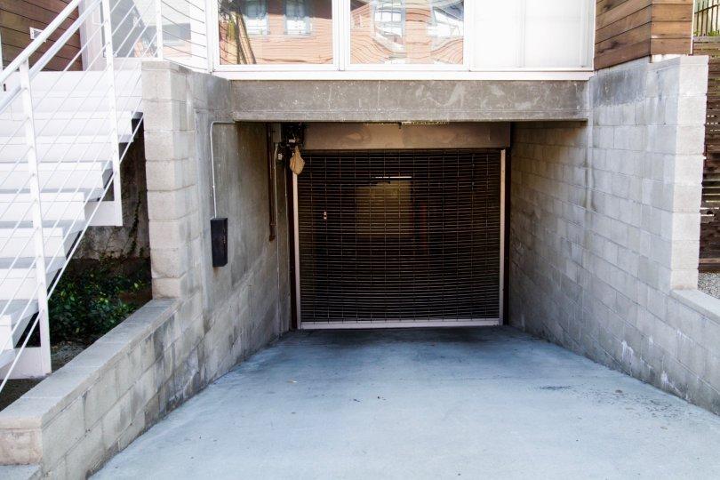 611 N Bronson offers gated underground parking