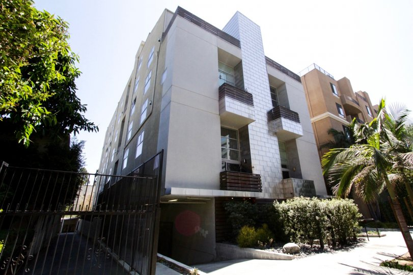 Hollywood Lofts is architecturally delightful property in Hollywood