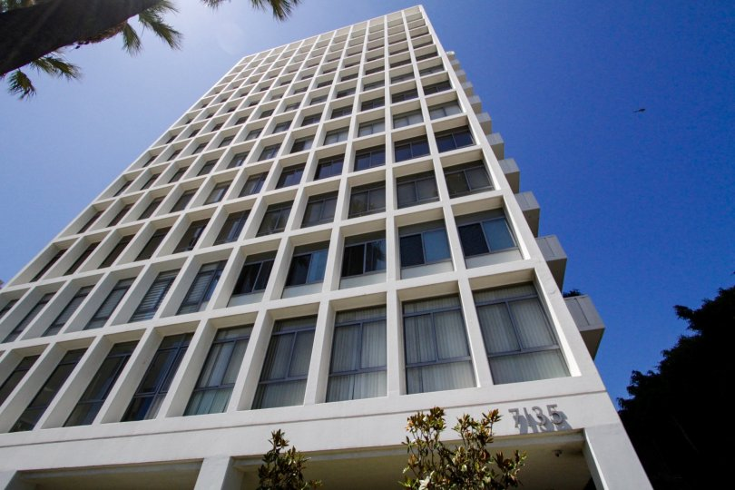 Hollywood Versailles Tower is a high-rise building in Hollywood