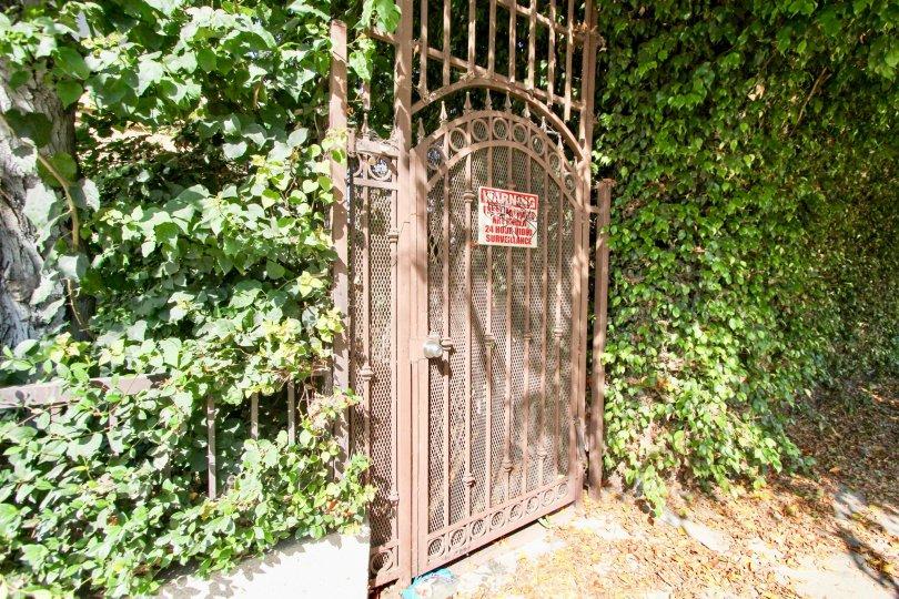 A side entrance into Hudson Terrace