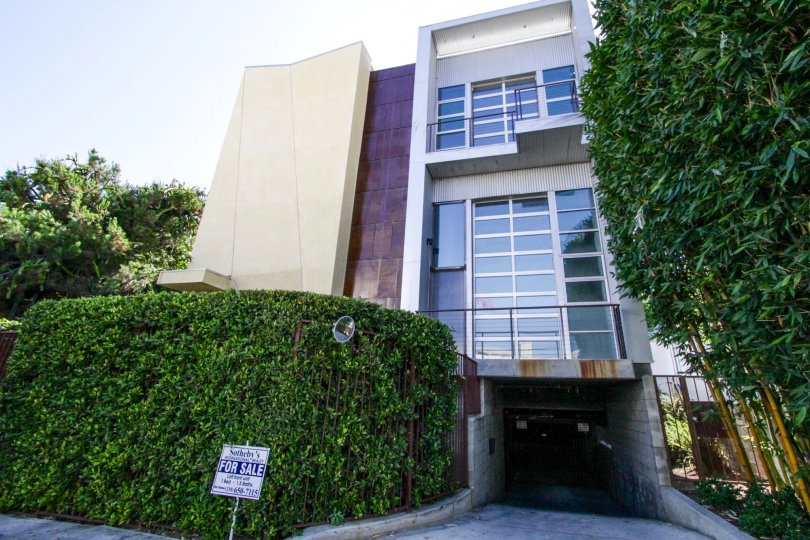 Sunset Blvd Lofts at Bronson is a beautiful modern condo building in Hollywood