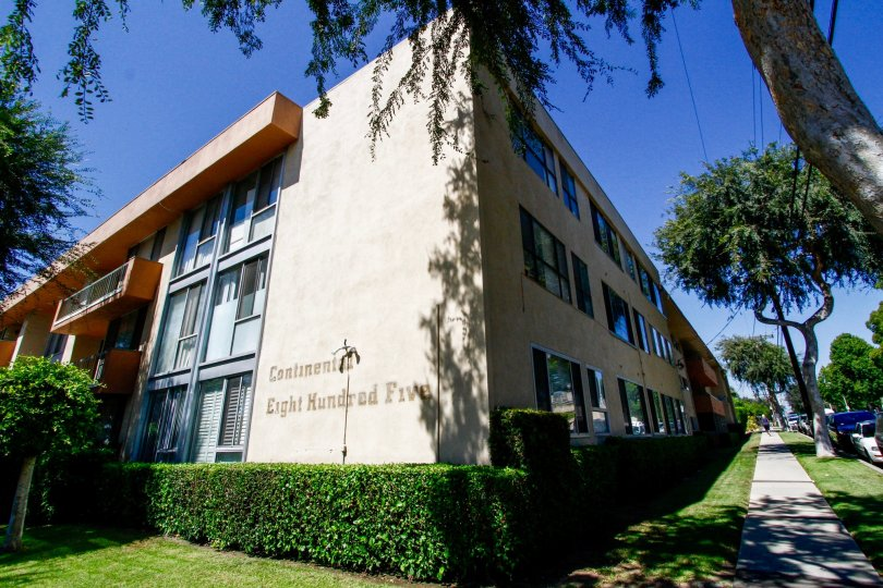 The Continental 805 building in Inglewood