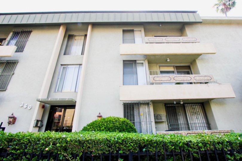 Montclair Kenmore apartment in Koreatown, California