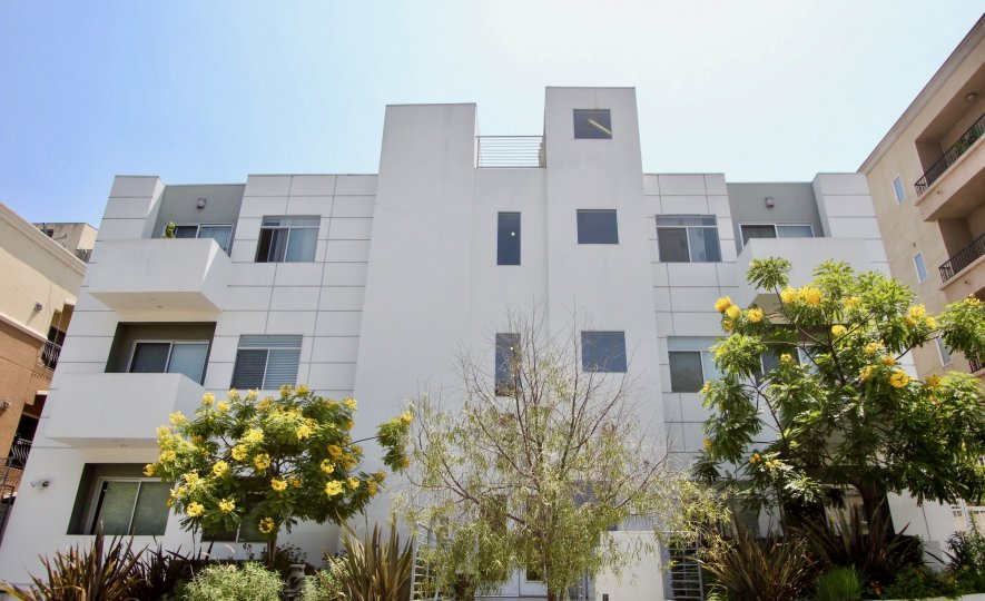 Grand apartments in community of Regency Villas that is in the city of Koreatown, California