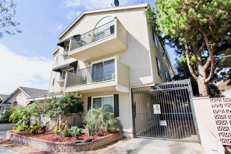 The balconies at 1123 Junipero Ave in Long Beach, California